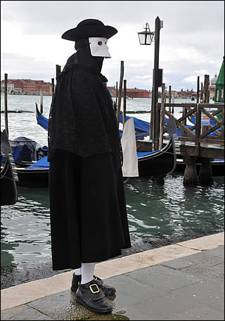 La bauta, costume traditionnel